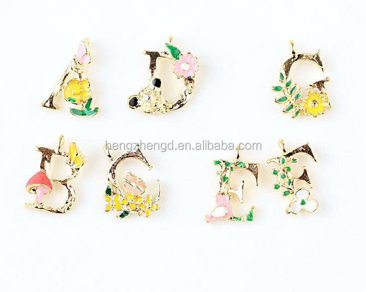 Wholesale DIY metal floriculture alphabet design charm pendant jewelry gold plated with color enamel decorative alphabet letters