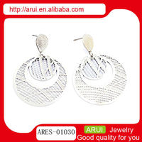 Fashion 2013 drop earring with big gridding circle