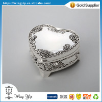 OEM and ODM Hot sales Heart Shape with Rose Pattern Silver Metal Jewellery box for Ornament
