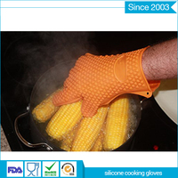 Non Stick heat insulation kitchen multifunctional yellow silicone oven glove