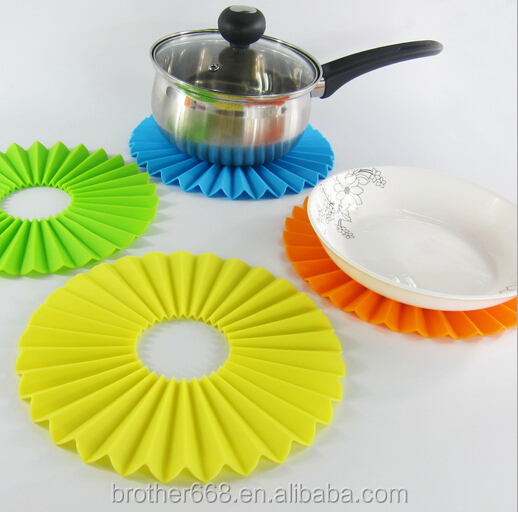 Silicone Durable Flexible Pot Holder round Non-slip Heat Resistant material Placemat Table Mat