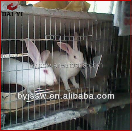 Rabbit cage with tray