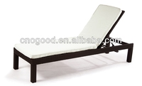 Comfortable Outdoor Rattan Folding Beach Sun Beds