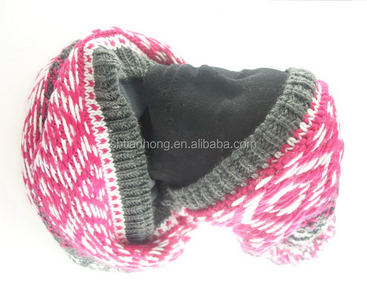 Factory supply new import knitting hat and scarf displays