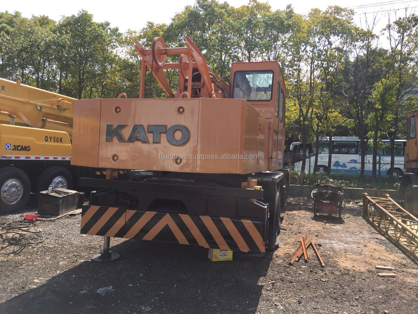 Good working condition used japan made kato NK250E-V 25 ton truck mounted crane