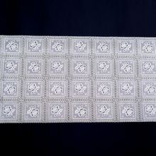 Newest sale multipurpose little flower checkered anti-slip embossed silver rose table cloths