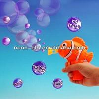 5'' Clown Fish Bubble Gun w/a 30ml Bottle of Blue Bubbles