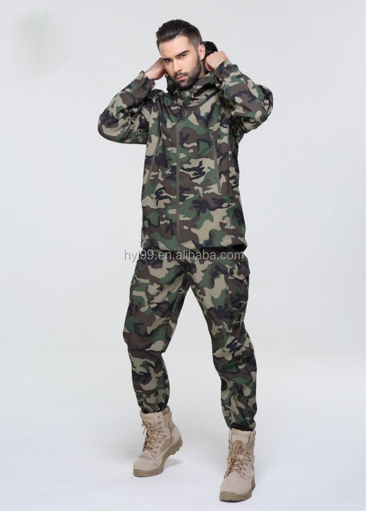 Wholesale 100% polyester material jungle camouflage waterproof shark skin jacket