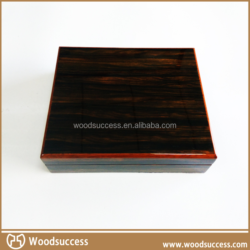 High quality cedar wood humidor cabinet for cigars wholesale