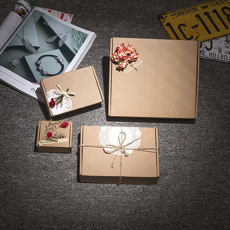 Exquisite gift packing kraft paper box