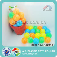 colorful plastic sand beach toy ball for kids
