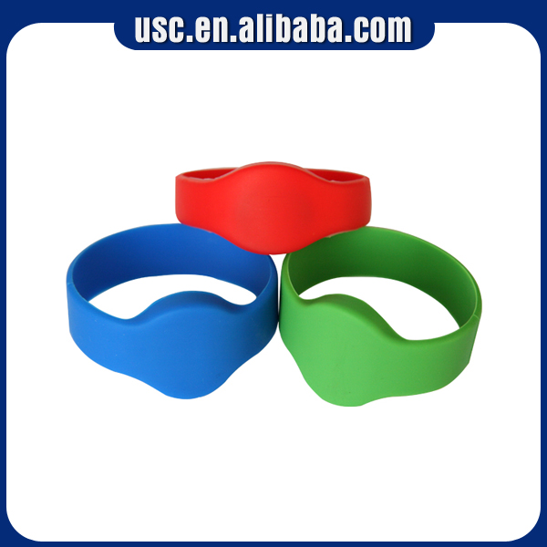 Hot cheapest silicone rubber rfid wristband for keys
