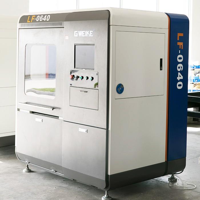 LF0640-Fiber-laser-cutting-machine-(3)