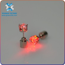 2015 Shenzhen Factory Magic and Wonderful Glowing LED flashing with battery diamond earrings,led light earrings