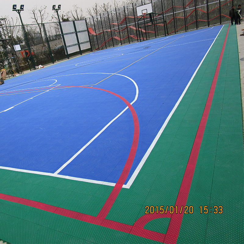 100% raw pp synthetic material interlocking indoor and outdoor portable basketball court sports flooring