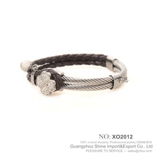 Wholesale Cheap Double Engraved screw chain Braided Leather Bracelet with clover XE11-0089