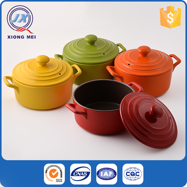 Multi colored mini stoneware insulated durable casserole for cookware
