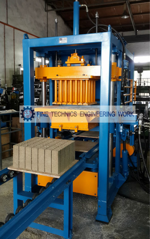 Cement Brick and Block Making Machine (FT 28 AH)