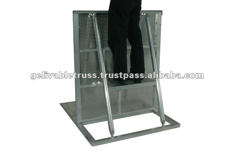 portable aluminum crowed barrier