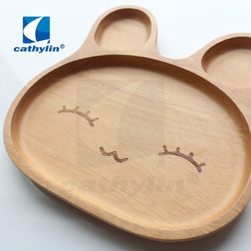 Eco-friendly wholesale lovely design baby using animal design <strong>natural</strong> wooden plate