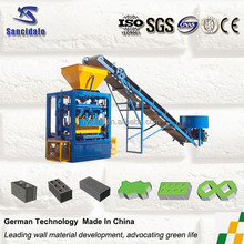 Insulated concrete hollow block machine made in China/ breeze block algeria/cement brick making machine QT4-24