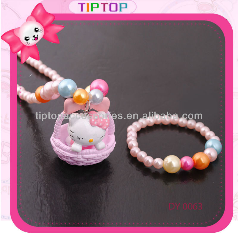 hellokitty necklace and bracelet
