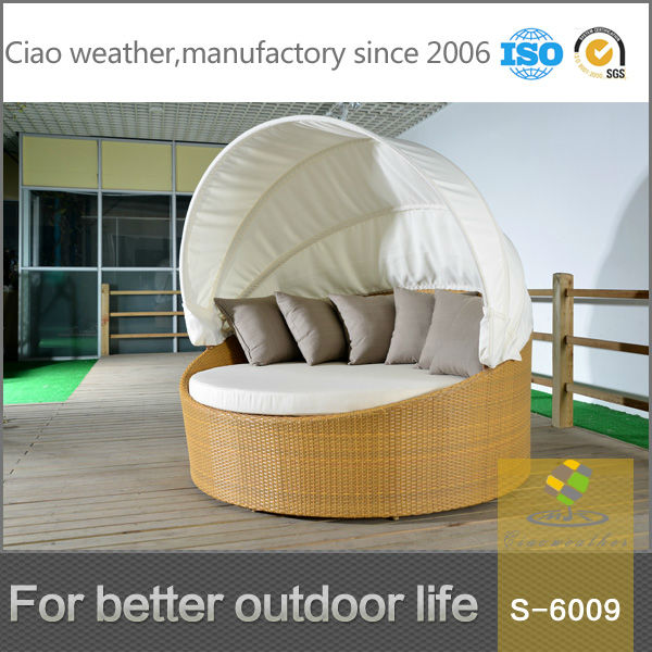 round chaise beach lounge chair with sun canopy
