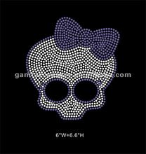 Cute skull with purple bow Rhinestone Iron On Transfer Motif For Baby