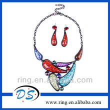 Latest design resin diamond hot pepper pendant statement necklace multiple colours jewelry set