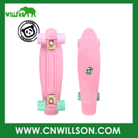 2016 New design hot sale PP or ABS material skateboard