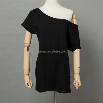 woman slash neck off shoulder short sleeve t-shirt