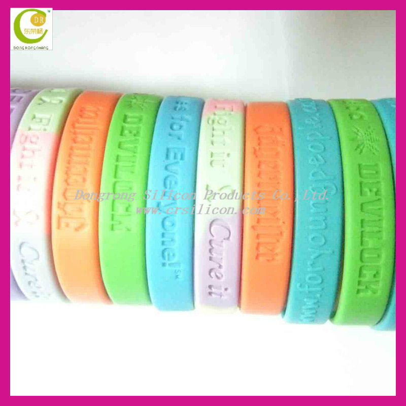 New designs custom charms silicone bangle bracelet,high quality stylish silicone message bracelet promotional