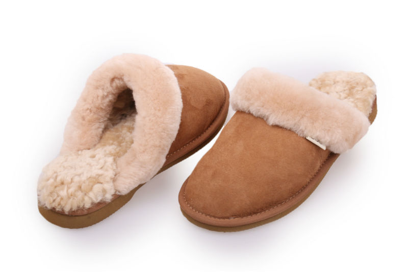 Factory outlet ! Indoor flat sheepskin slipper home slipper men&women leather shoe indoor shoes warm wool winter autumn  slipper