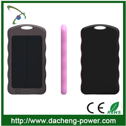 Hotly selling portable solar panel charger 4000mah for iphone samsung