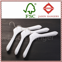 LGH086 Fashionable white plastic hanger for clothes
