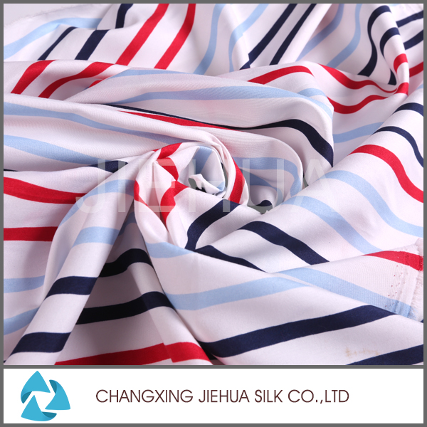 Fabric manufacturer making soft printed fleece bed linen fabric