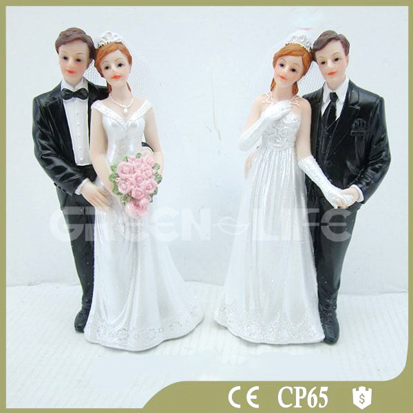 Romantic polyresin figurine wedding decoration for lovers