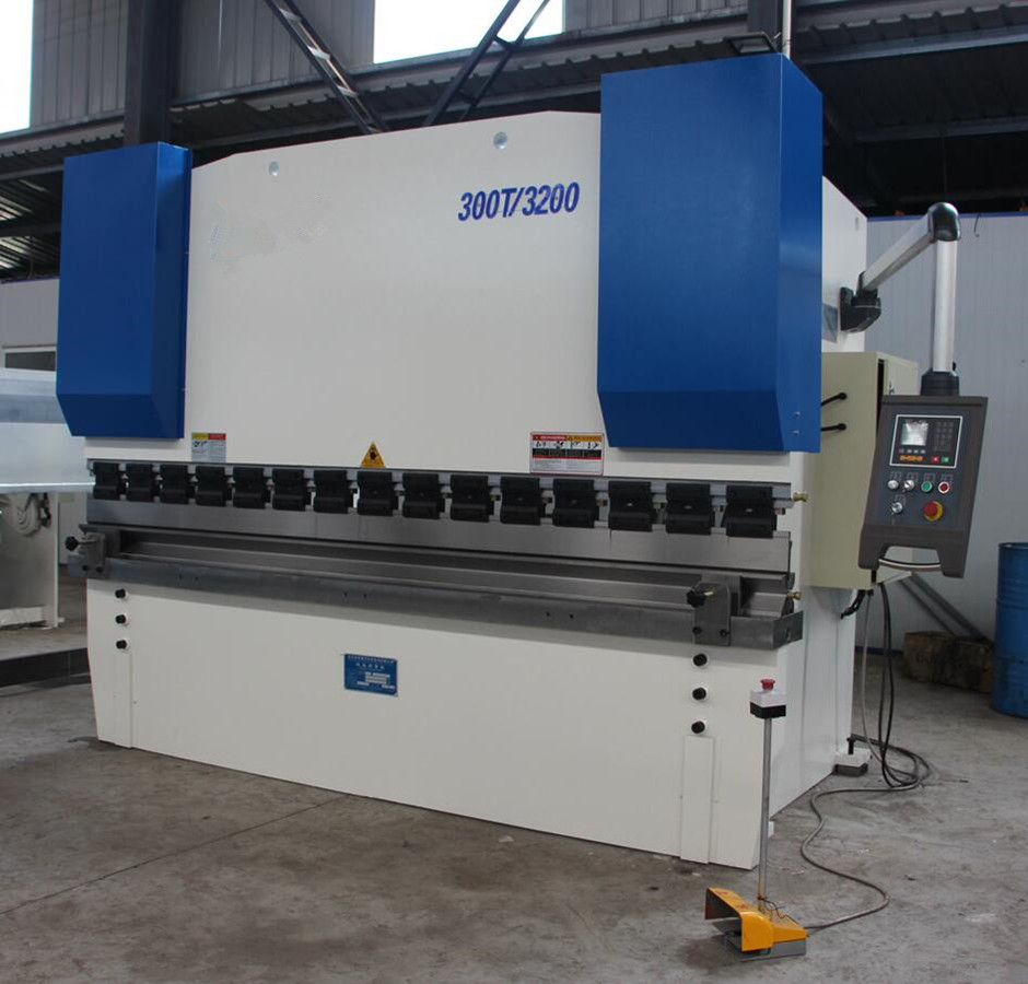 WE67K Electric-Hydraulic 300Ton CNC Plate bending machine with Delem DA41S controller