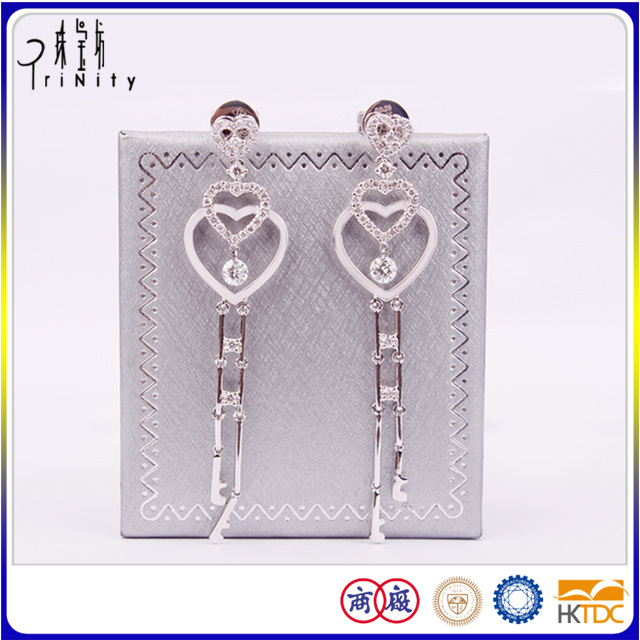 18K White Gold Heart Shaped Bangkok Drop Earrings