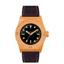 Advertisement of watches customisable hottest men watch with watch strap leather oem