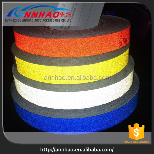 Car Decoration and Safe Vinyl 1cm, 1.5cm, 2cm Width 45.7m Length 3m Reflective Self Adhesive Tape
