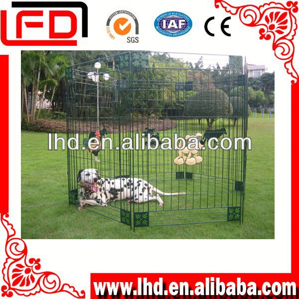 Completely portable dogs kennel house for dog run