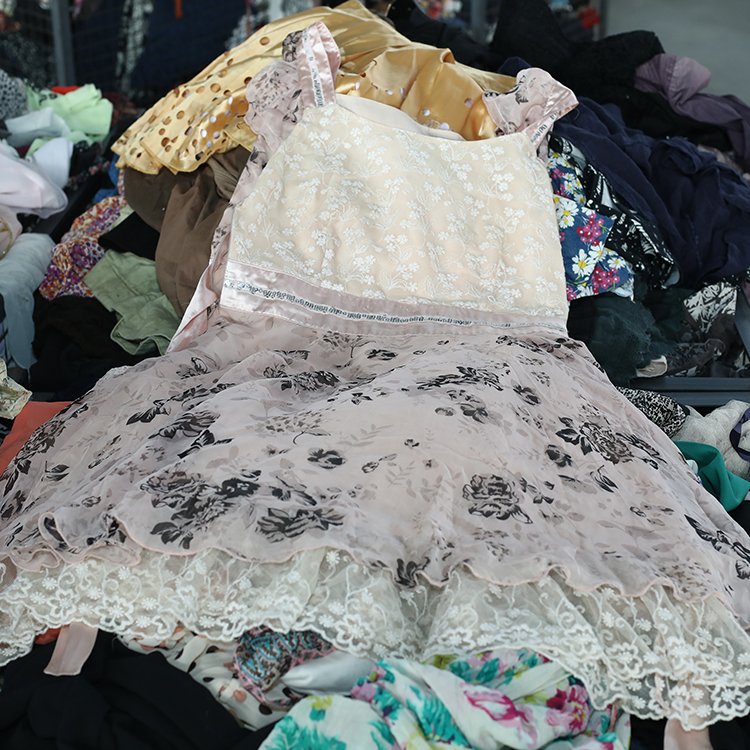 Name brand fashion used clothing second hand clothes in bales price