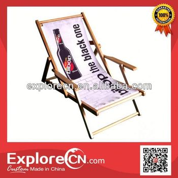 Foldable wooden wooden beach chair with arm