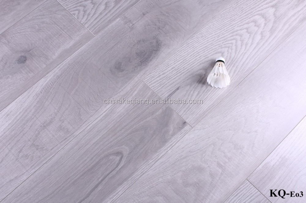 <strong>Oak</strong> Laminate Flooring with V-Groove Painted