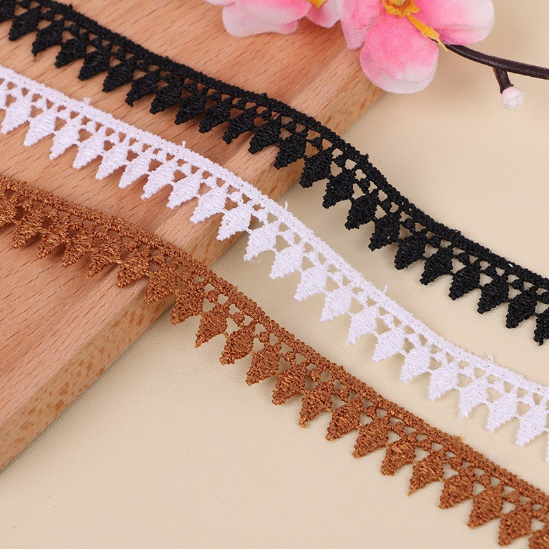 Hot selling austrian embroidery designs flower lace trims for lady clothes/garment
