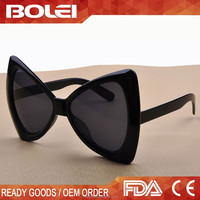 Oversized Party Favor Stylish Bowknot Injection Molded Sunglasses