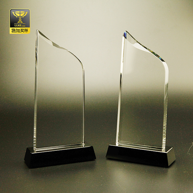 cheap glass trophy in crystal crafts award plaque