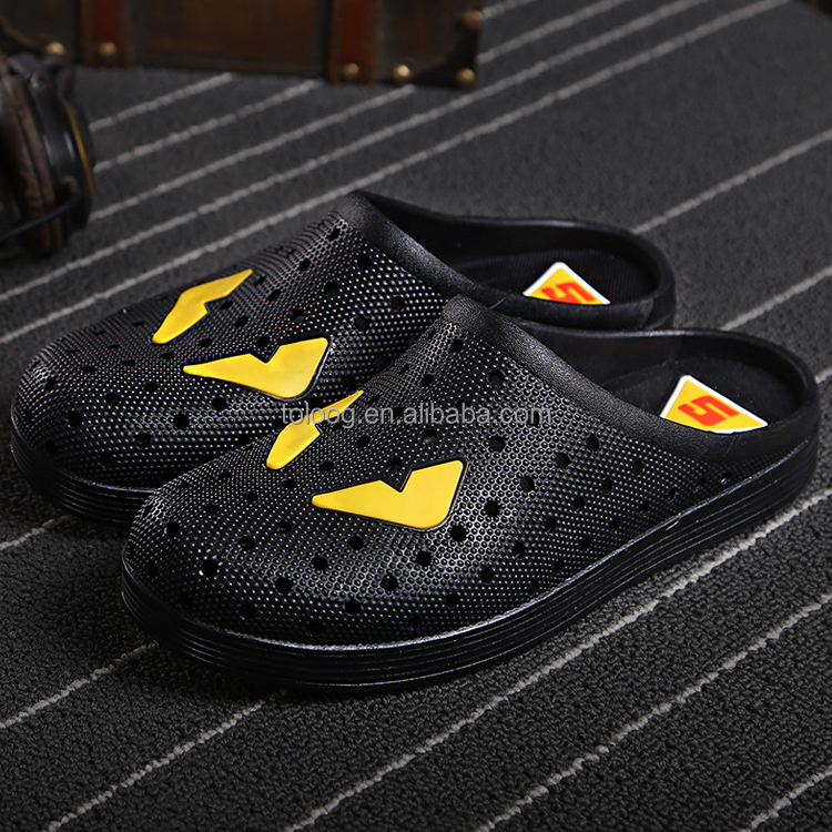 Wholesale Mens Monster Print Eva Perforated Garden Clog Shoes Quick Drying Slipper Size 39-45