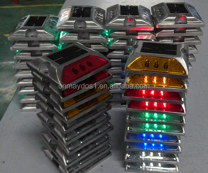 Solar LED Road Stud Light Reflection Road Safety Road Stud Adhesive